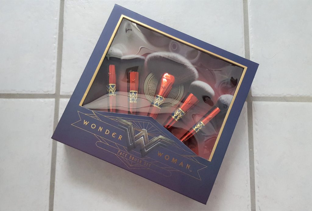 Luxie Wonder Woman Face Brush Set