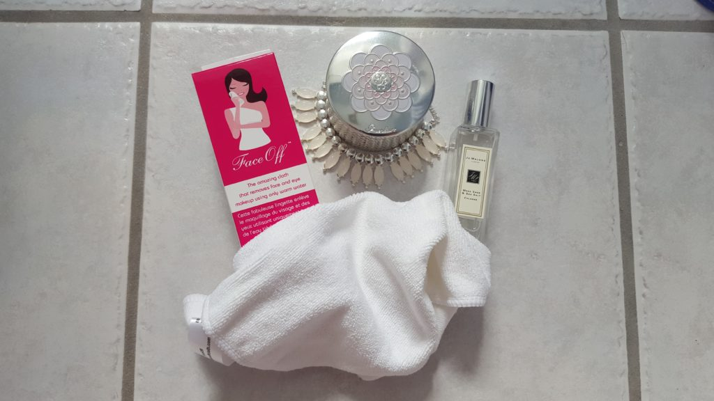 faceoff makeup removing cloth