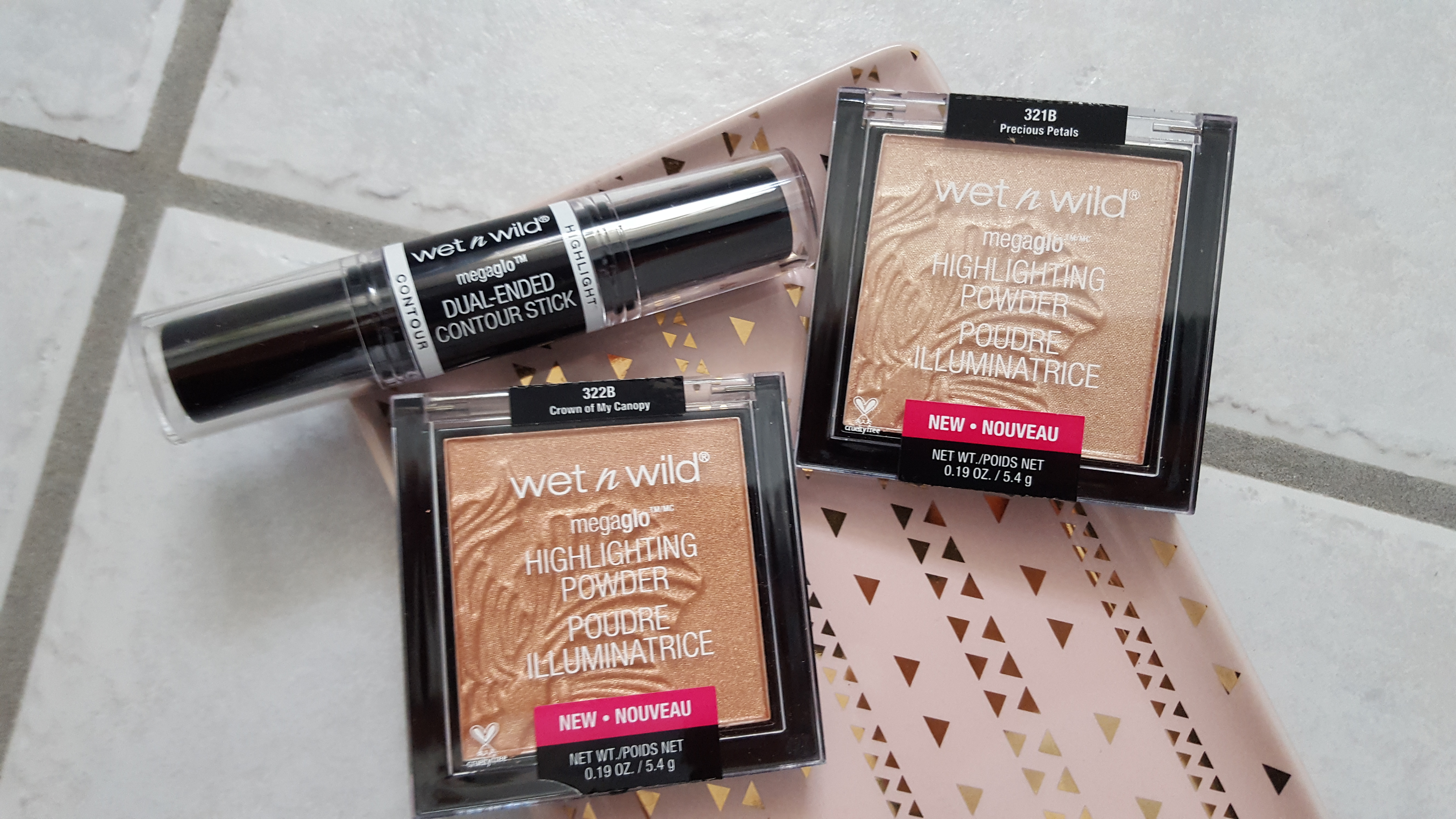 Brand Collection Wet N Wild 2017 Favs Im Not A Beauty Mega Glo Dual Ended Contour Stick Light Medium Two Standout Face Products For Me Are The 799 Cad And Megaglo Highlighting Powder 699