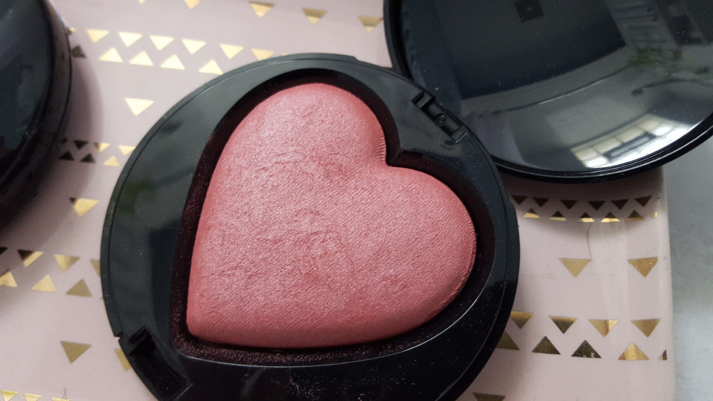 Beauty That Counts Mary Kay Baked Cheek Powder giving heart